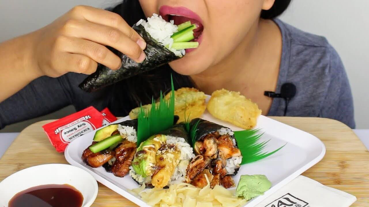 Sushi? Lunchmeat? Pasta? Food Rules These Moms Live By During Pregnancy